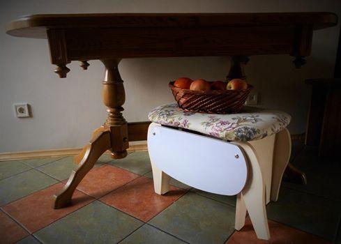 Пуф и стол
